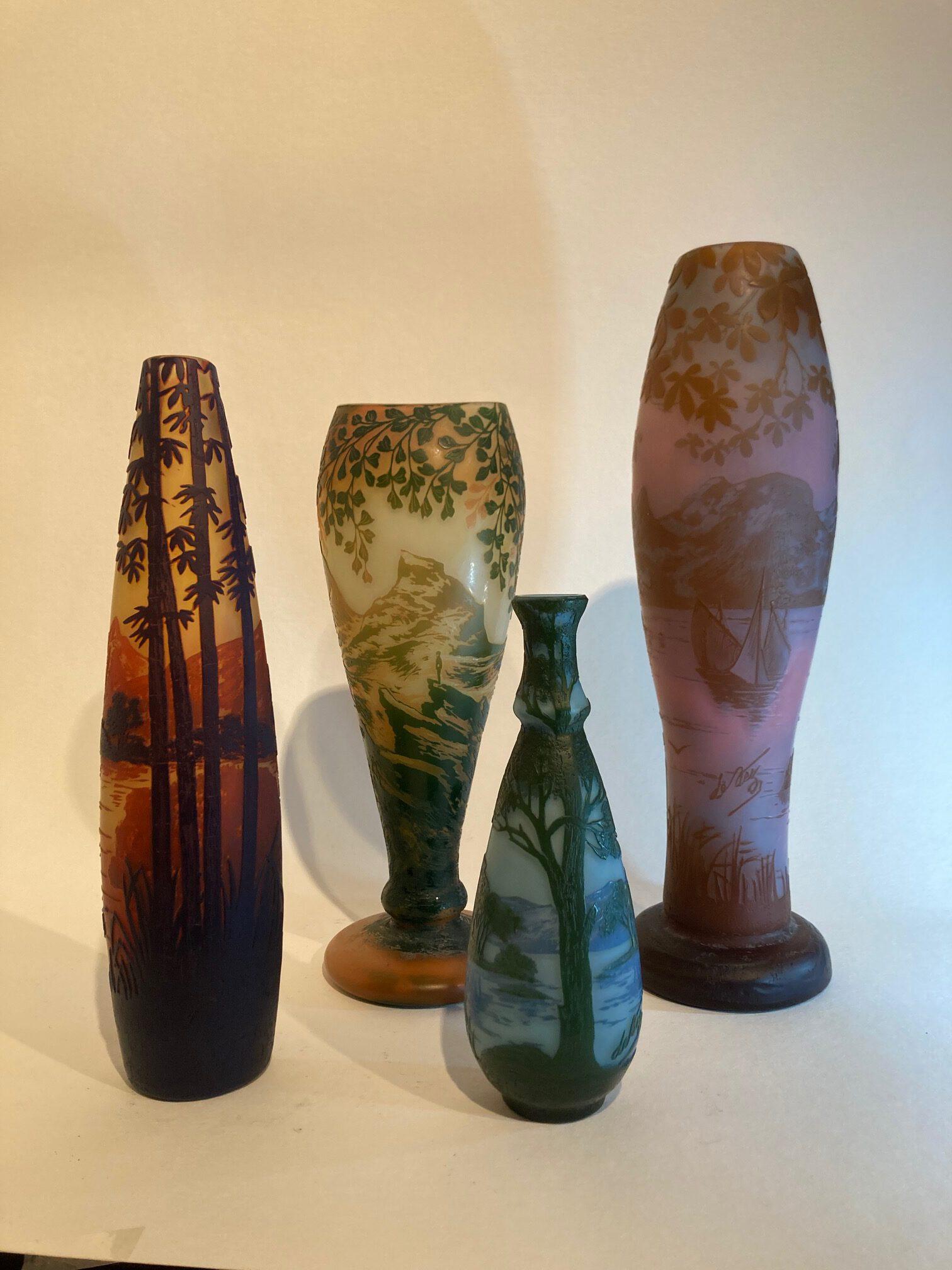 Vasen von Cristallerie de Pantin, um 1910